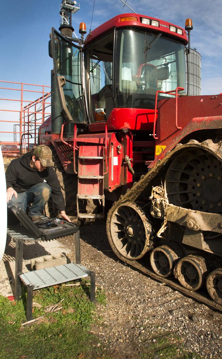 joey_tunes_tractors